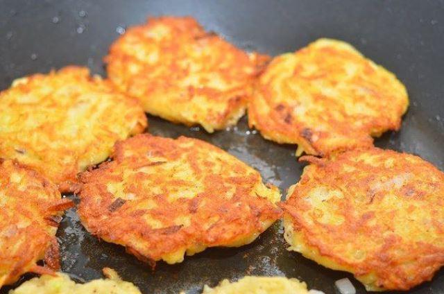 Пышные картофельные оладьи по бабушкиному рецепту. Вкуснее перекуса я еще не пробовала