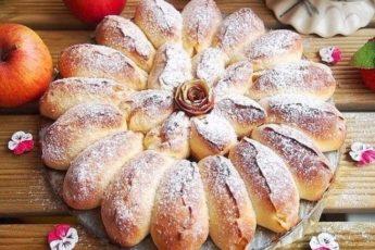 Готовлю каждые выходные двойную порцию — Разборной пирог с яблоками. Пальчики оближешь!