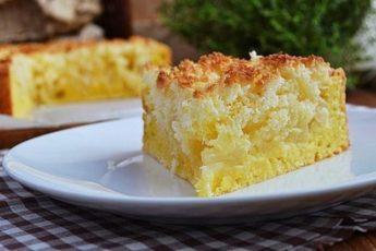 Творожной пирог с яблоками – рекомендуем сразу печь два пирога, так как его мгновенно сметут со стола!