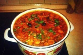 Небольшая уловка помогла приготовить лучшую на свете «Суп-соляночку»!