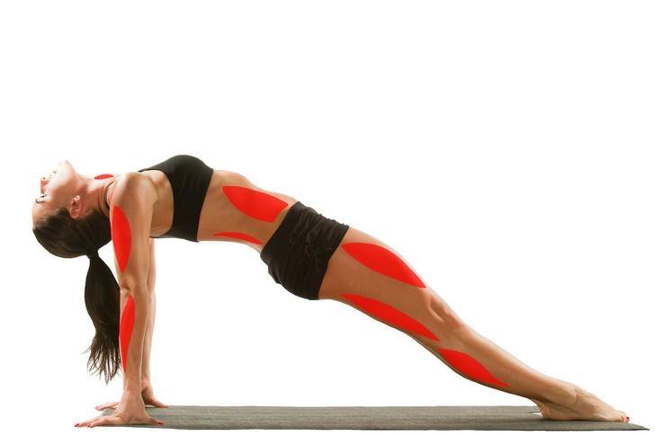 15-pozy-yogi-kotorye-mogut-izmenit-vashe-telo-3-1844608
