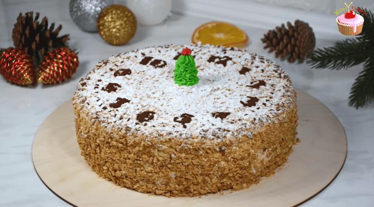 biskvitnyy-tort-s-kremom-sharlott-ideal-nyy-podarok-k-chayu-1-7232509