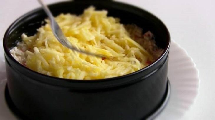dva-novogodnih-salata-dlya-muzha-i-zheny-18-9746842