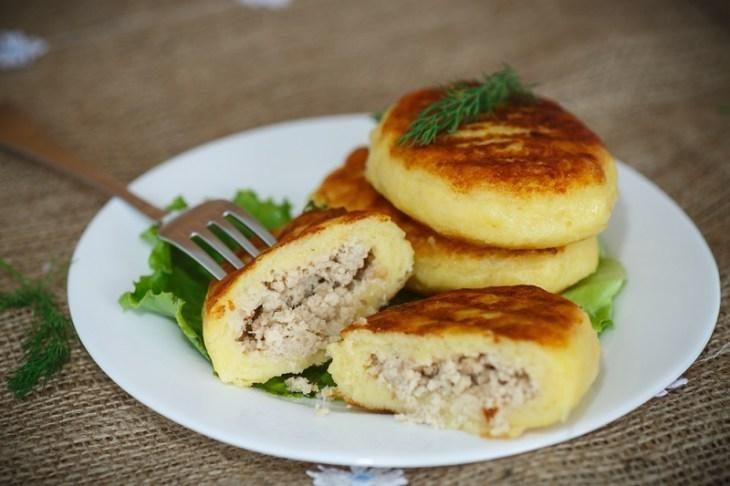 kak-prigotovit-zrazy-kartofel-nye-s-farshem-1-4348253