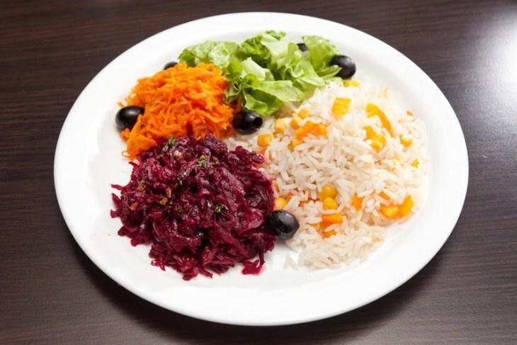 kakie-salaty-iz-svekly-mozhno-est-na-noch-5-9819796