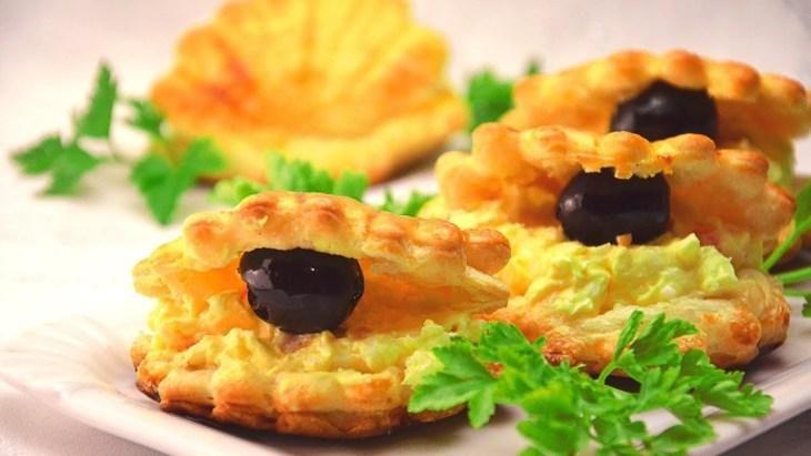 prazdnichnyy-salat-zakuska-ustrica-1-8170630